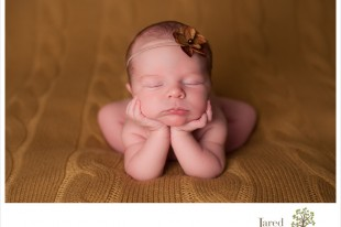head in hands pose newborn photography jared and debbie plattsburgh