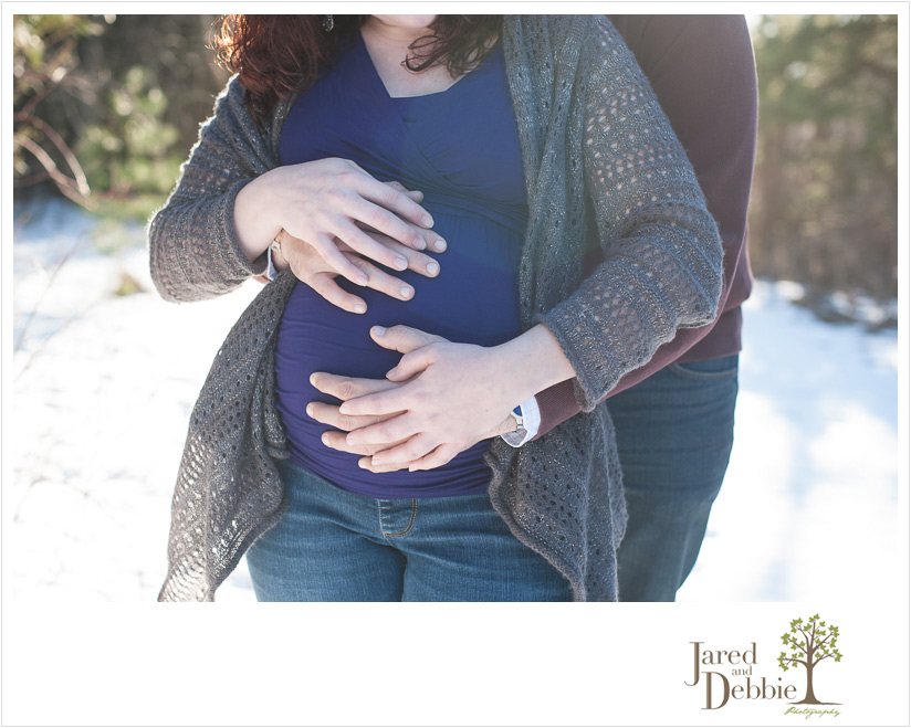 snowy maternity session in Plattsburgh by Jared and Debbie Photography