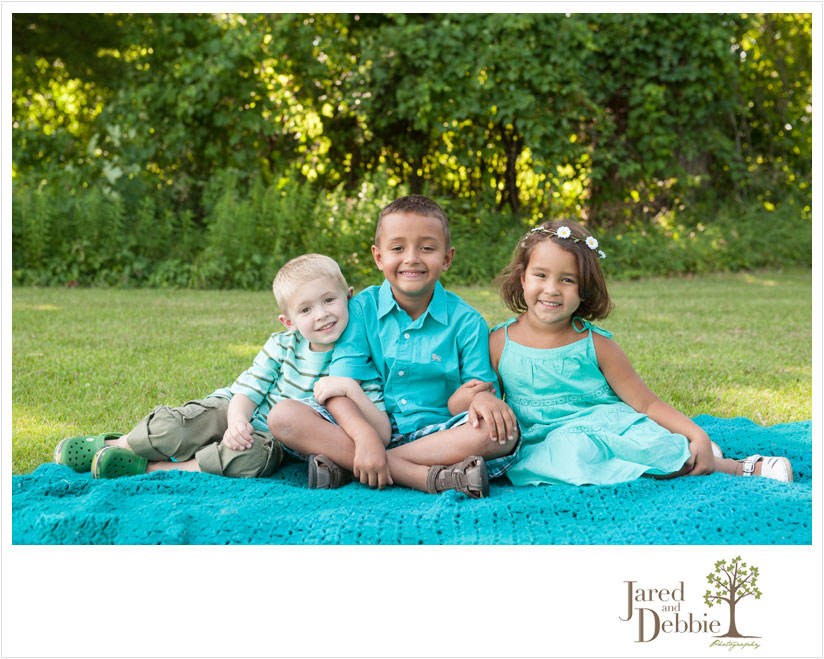 Three cousins during session with Jared and Debbie
